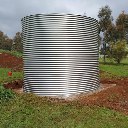 Stainless steel water tank installation