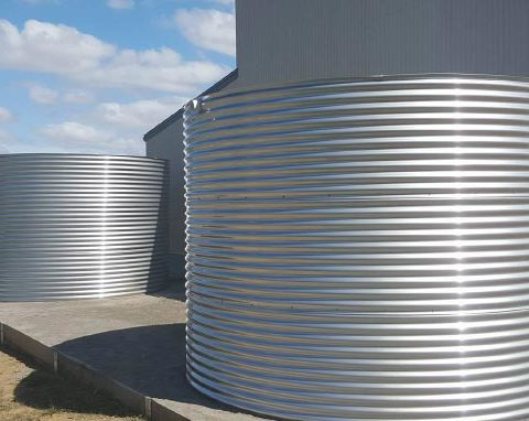 Commercial water tanks